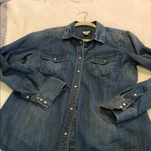 J.Crew denim jean button up shirt size medium.